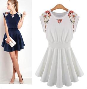 6ea87685a9 Sukienka koronka kwiaty rozkloszowana biała granatowa m l